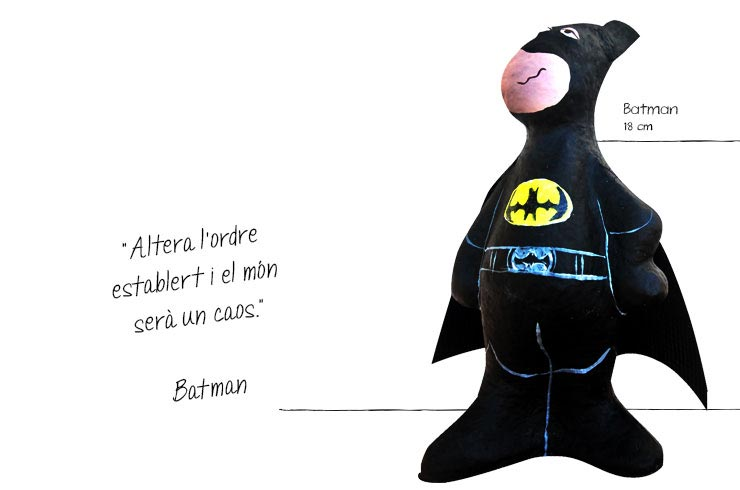 superhéroes batman figures paper mache